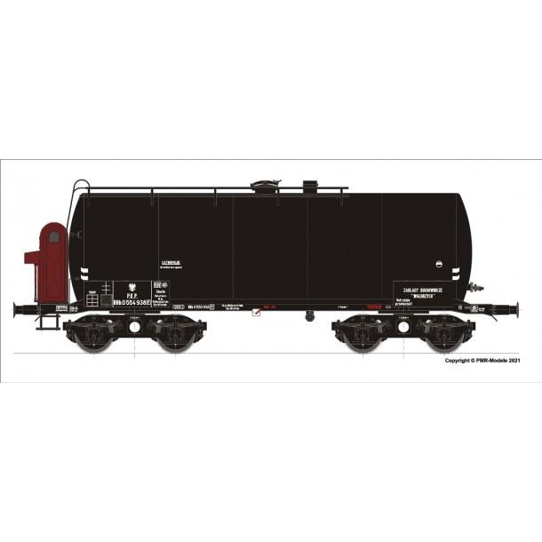 Brawa 49614  (LM01-21) wagon cysterna do przewozu smoły,  PKP seria RRh  0 554938 Zakłady Koksownicze Wałbrzych ep.IIIb (H0)