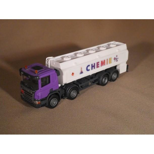 OLM Design 012  auto Scania P-series cysterna  8x2 do przewozu chemikaliów, CHEMIE, seria limitowana 250 szt   (H0)
