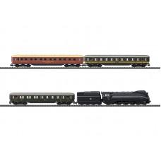 TR11601  zestaw 3 wagony i lokomotywa BR03.10 DCC  USTC ep.III (N)
