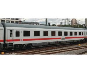 RC74653 wagon osobowy 1kl Avmz111 DBAG   ep.VI (H0)