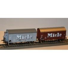 et20200   2 wagony towarowe zakryte DB MIELE   ep.III (H0)